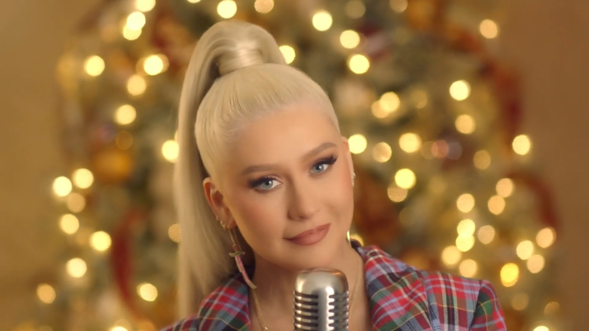 Christina Aguilera NBC The Chrismtas Song - My Kind Of Christmas